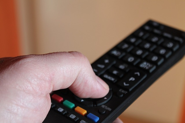 Understanding the Advantages and Disadvantages of Satellite Television